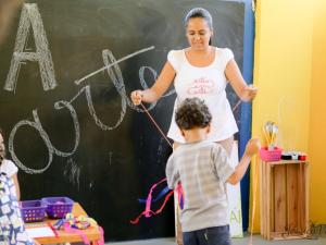 Joice Ribeiro - Oficina de Artes Criativas com crianças